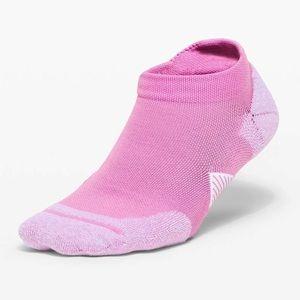 Lululemon Speed Tab Sock *Silver - Magenta glow